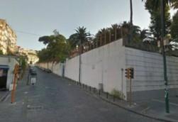 via Foria magazzino locale deposito in vendita , Napoli