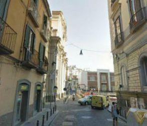 Appartamento ristrutturato in vendita  via Monte di Dio, Napoli