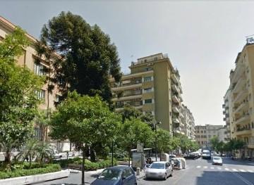 Appartamento in vendita via Giosuè Carducci, Napoli