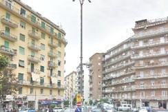 Vomero luminoso Appartamento con terrazzo in vendita Napoli