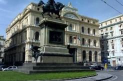 Piazza Giovanni Bovio trilocale ristrutturato in vendita Napoli