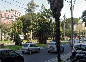 Piazza Cavour in affitto ( uso ufficio) 5 camere bagno Napoli