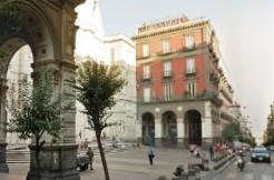 Via Duomo appartamento ristrutturato in vendita Napoli