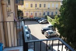 Via_Diocleziano_quadrilocale_bagno_posto_auto_moto_Napoli