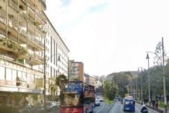 Piazza Cavour luminoso sei camere e bagno in vendita napoli
