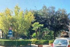 manzoni_interno_parco_Napoli