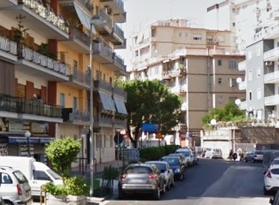 Via san Giacomo dei Capri proponiamo in vendita  immobile Napoli