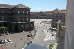 via San Carlo ( ad piazza Trieste e Trento) Quadrilocale in vendita Napoli