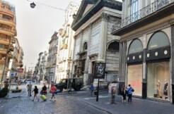 nella parte storica della città di Napoli, nel cuore dei Quartieri Spagnoli,appartamento in vendita