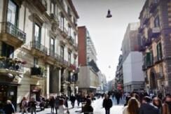 A due minuti da via Toledo trilocale ristrutturato in vendita Napoli