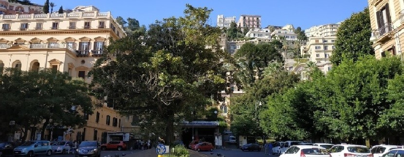 piazza_amedeo_napoli_Caseper