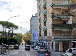 Via Mariano Semmola  appartamento di 5 vani doppi accessori in vendita Napoli