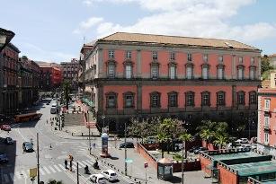 Appartamento in vendita in piazza Museo Nazionale Napoli
