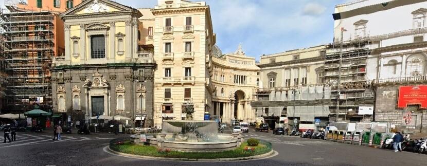 piazza_trieste_e_trento_napoli
