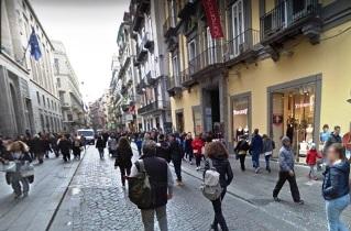 Via Toledo in vendita libero Locale ad uso garage-deposito Napoli